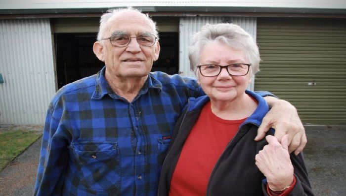 Photo: Harold and Barbara Cronin farmed at West River on WA's south coast for 45 years. (ABC Great Southern: Aaron Fernandes)