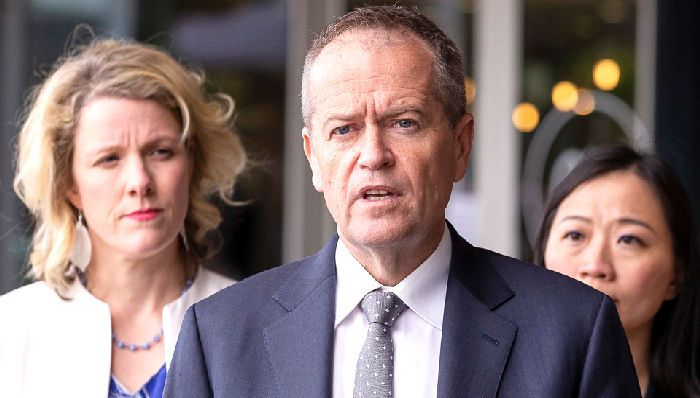 Bill Shorten and Clare O'Neil (left) will lead Labor's roundtable hearings into banking misconduct. Photo: AAP
