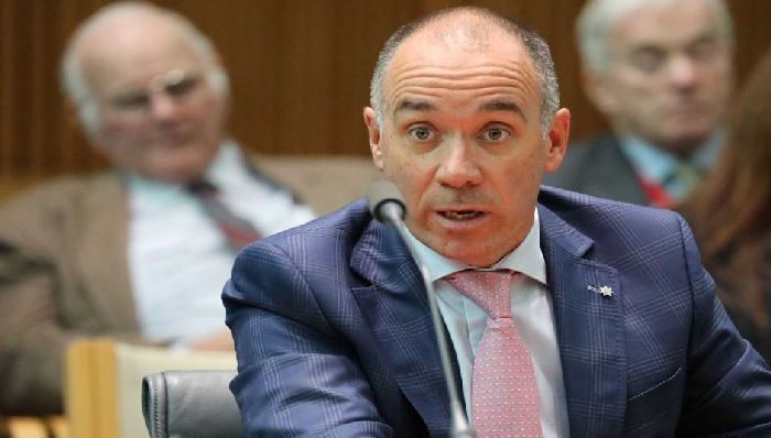 Hundreds of NAB staff sacked, docked pay over banking royal commission