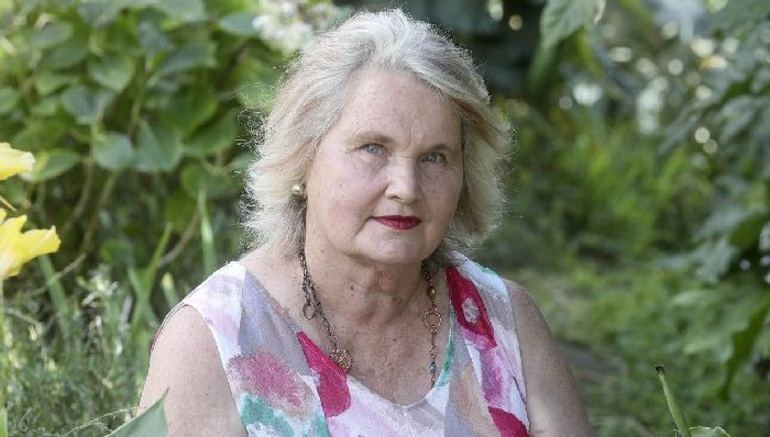 Lyn Berry lost her Marlborough vineyard to the bank a decade ago, and has started a petition to try and get Parliament to hold a banking inquiry.