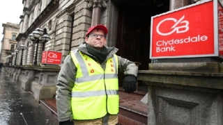 Businessman suspends Glasgow hunger strike ahead of bank meeting